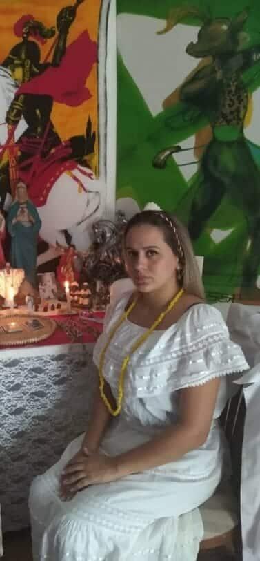 Espirita Thamara aguardando você para vidência online